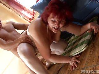 Смотреть порно зрелых женщин в жопу