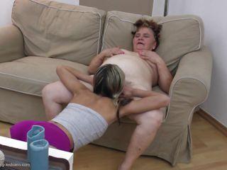 Порно зрелых по принуждению