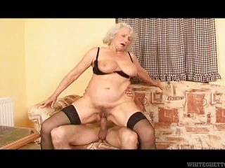 Порно бабушки втроем